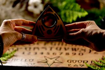 18 Ouija Board Chants (and How to Properly Use Them)