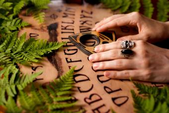 How to Use a Ouija Board: 10 Steps to Communicate With Spirits