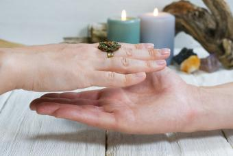 Free Psychic Reading by Email: Evaluation Tips to Avoid a Scam