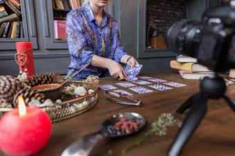 5 Online Mediums Offering Free Psychic Readings