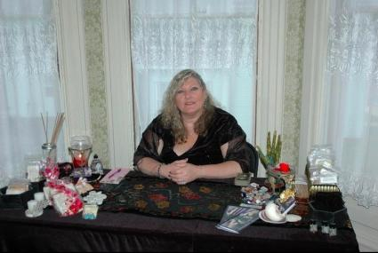 Psychic Robyne Marie; image used with permission.
