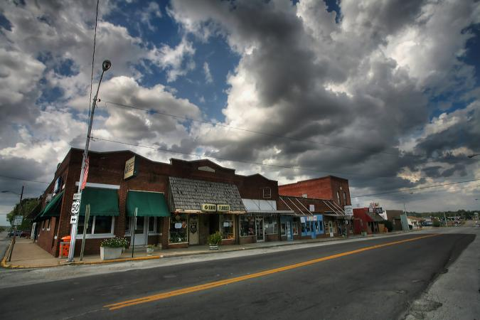 Afternoon in downtown Knob Noster image taken by Notley Hawkins