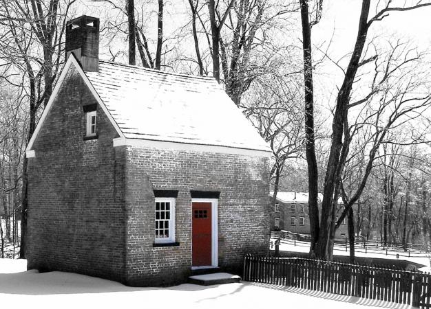 Historic cottage in Allaire State Park