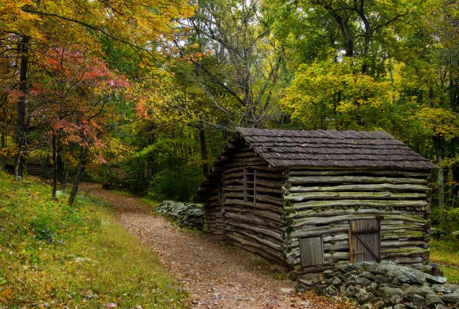 Old rustic Virginia cabin