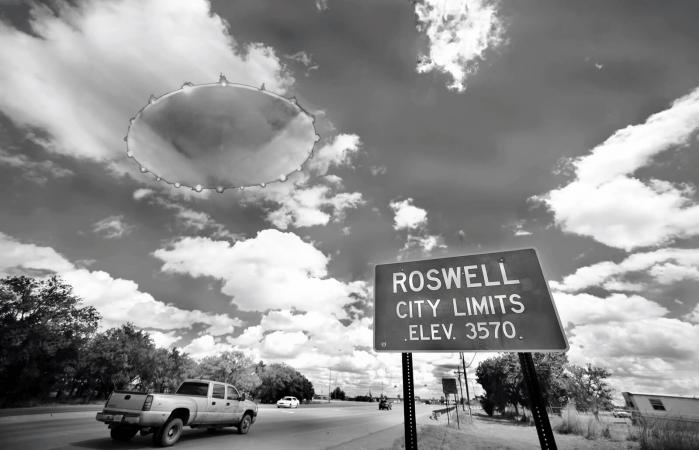 UFO in the town of Roswell