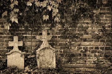 Many cemeteries in Illinois are said to be haunted.