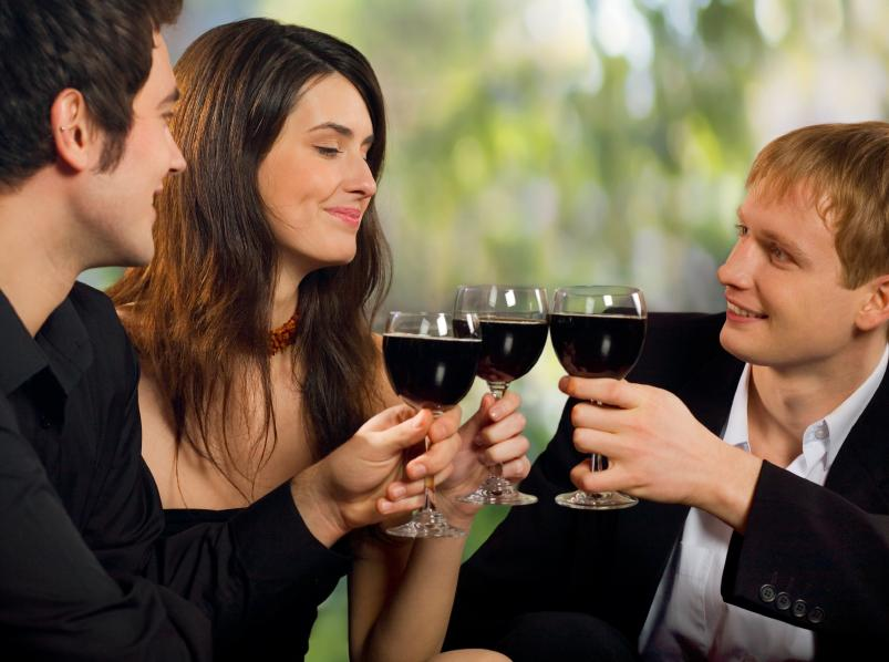 https://cf.ltkcdn.net/party/images/slide/105666-803x598-WineParty.jpg