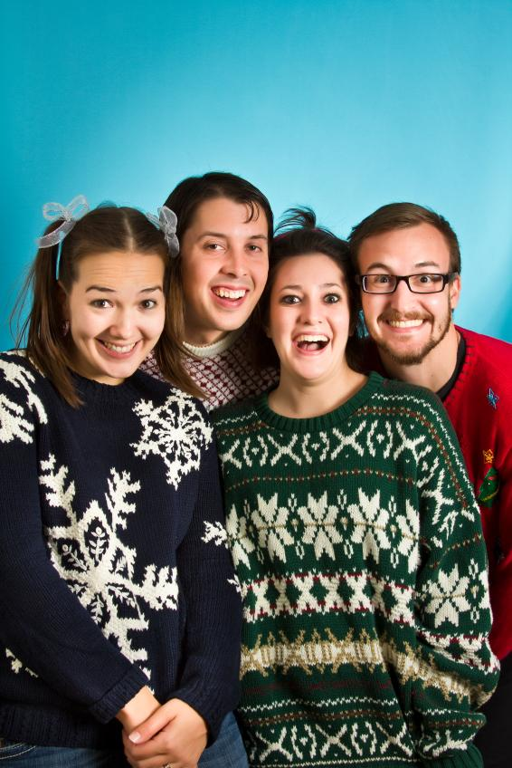 https://cf.ltkcdn.net/party/images/slide/149951-566x848-Ugly-sweaters.jpg
