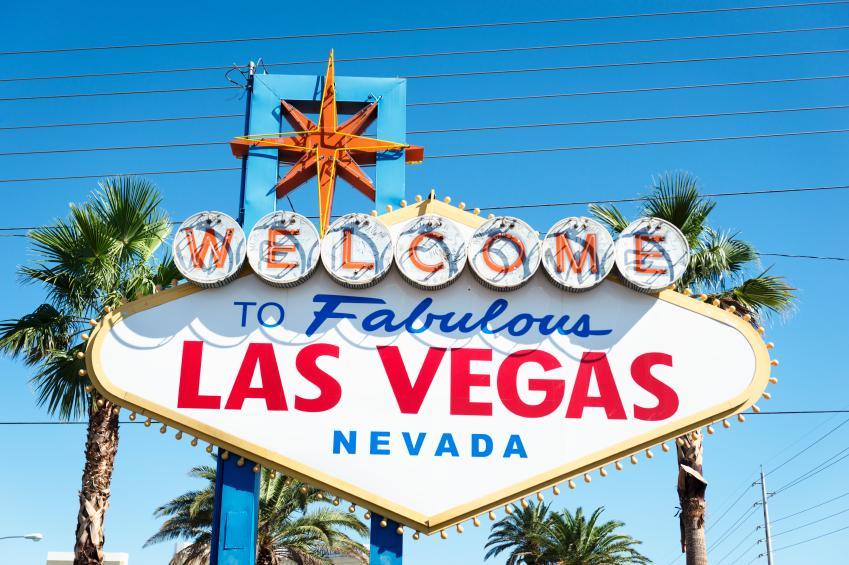https://cf.ltkcdn.net/party/images/slide/162558-849x565r1-Vegas.jpg