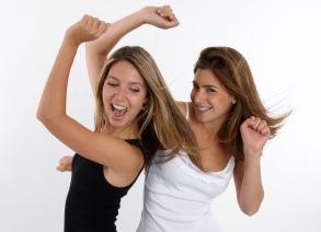 https://cf.ltkcdn.net/party/images/slide/105623-293x212-Dancing.jpg