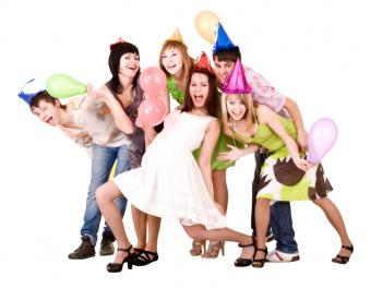 https://cf.ltkcdn.net/party/images/slide/105744-785x611-TeenFriends.jpg
