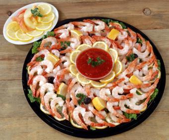 https://cf.ltkcdn.net/party/images/slide/105838-761x631-Shrimp_Cocktail.jpg