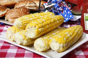 https://cf.ltkcdn.net/party/images/slide/105841-849x565-Corn_on_the_Cob.jpg