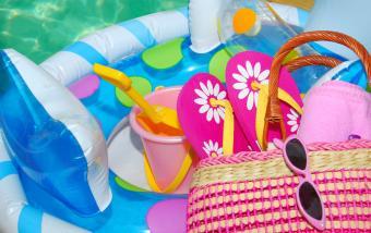 https://cf.ltkcdn.net/party/images/slide/105874-850x536-Swimming_Pool_Accessories.jpg