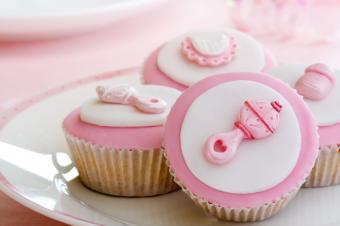 https://cf.ltkcdn.net/party/images/slide/130896-849x565r1-BabyCupcakes.jpg