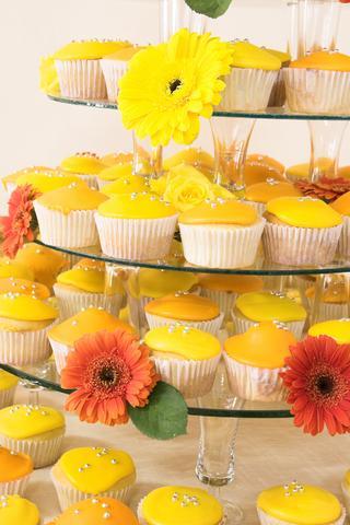 yellow_cupcakes.jpg