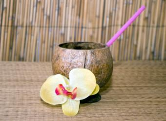 coconut tiki drink