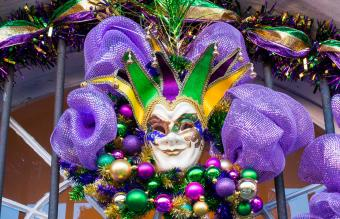 13 Easy Mardi Gras Decoration Ideas
