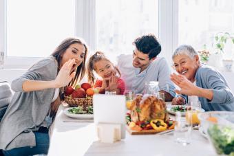 9 Ideas for Celebrating Thanksgiving Online
