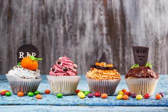 https://cf.ltkcdn.net/party/images/slide/281444-850x567-8-cupcake-party.jpg