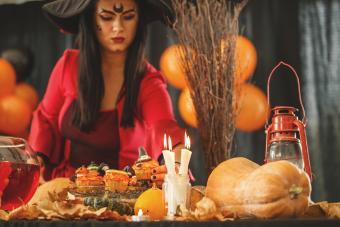 https://cf.ltkcdn.net/party/images/slide/281526-850x567-11-autumn-table-setting.jpg