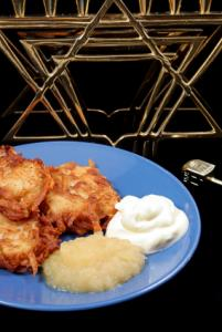 Latkes with sour cream and applesauce