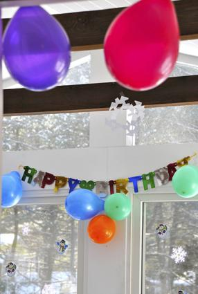Air-filled party balloons