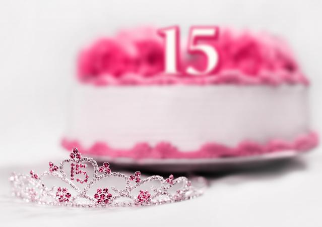 Quinceanera tiara and cake