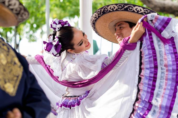 Folkloric Mexican Dancers