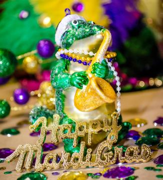 Happy Mardi Gras alligator decoration