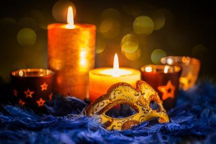 Mardi Gras candle centerpiece