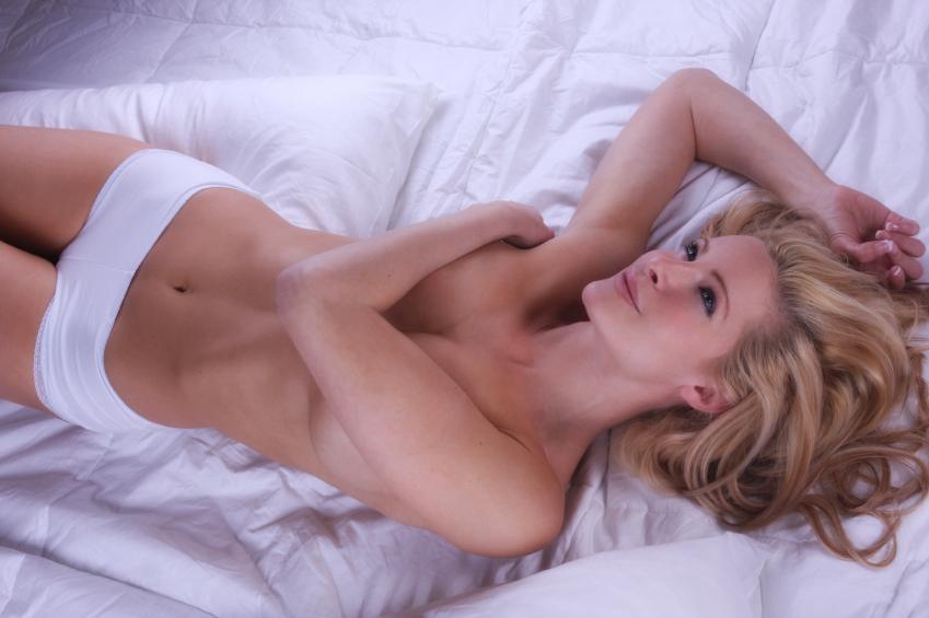 https://cf.ltkcdn.net/photography/images/slide/62572-849x565-Laying-on-Bed.jpg