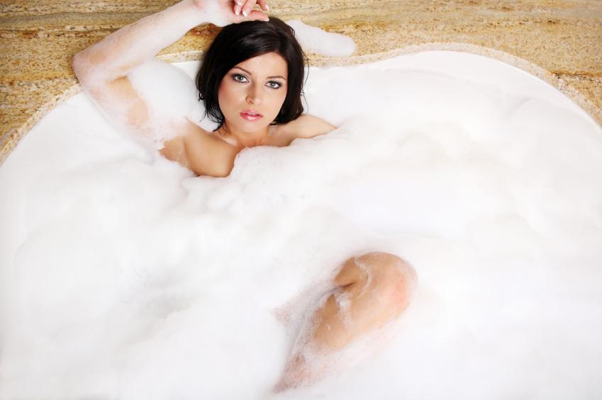 https://cf.ltkcdn.net/photography/images/slide/62573-849x565-Bubble-Bath.jpg