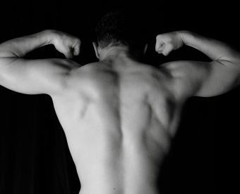 https://cf.ltkcdn.net/photography/images/slide/250974-850x691-6-male-figure-photography.jpg