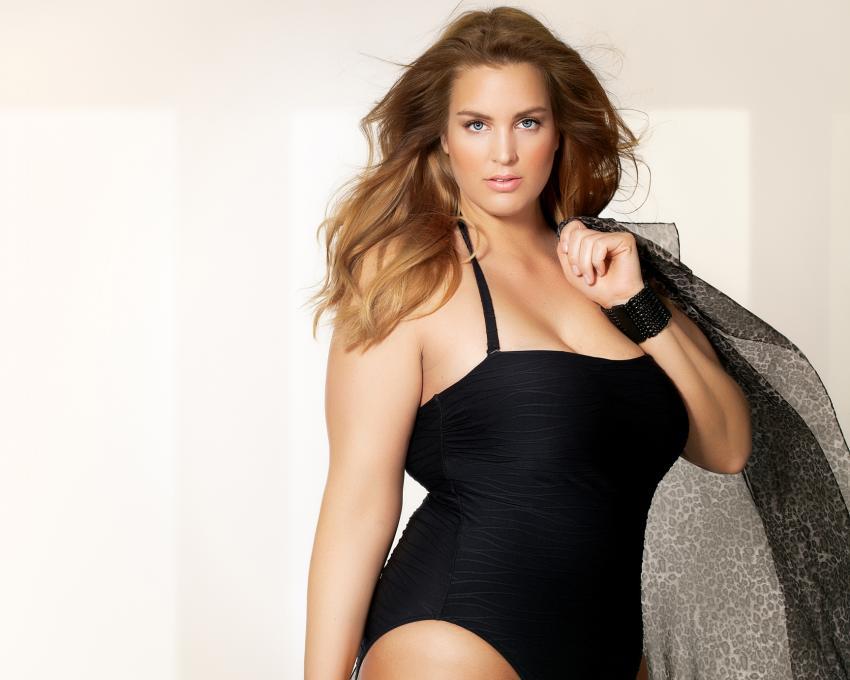 https://cf.ltkcdn.net/plussize/images/slide/211121-850x680-plussizeswimwear.jpg