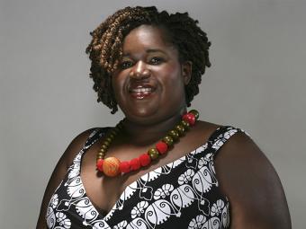 https://cf.ltkcdn.net/plussize/images/slide/166502-850x638-plus-size-woman-necklace.jpg