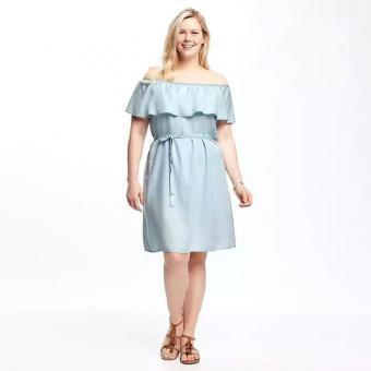 https://cf.ltkcdn.net/plussize/images/slide/213441-700x700-Ruffled-Off-the-Shoulder-Plus-Size-Tencel-Dress.jpg