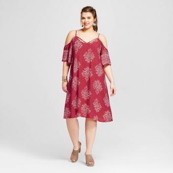 https://cf.ltkcdn.net/plussize/images/slide/213443-700x700-Womens-Plus-Size-Cold-Shoulder-Dress-Red-Print.jpg