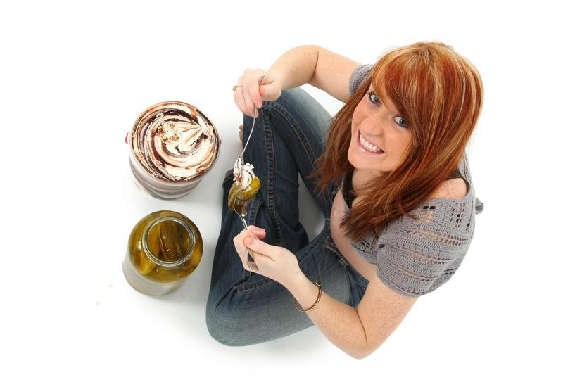 https://cf.ltkcdn.net/pregnancy/images/slide/173222-800x533-Pickles-and-ice-cream.jpg