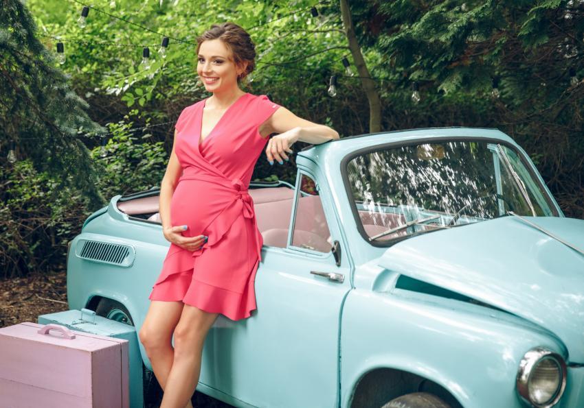 https://cf.ltkcdn.net/pregnancy/images/slide/251513-850x595-26_Maternity_Wrap_Dress.jpg