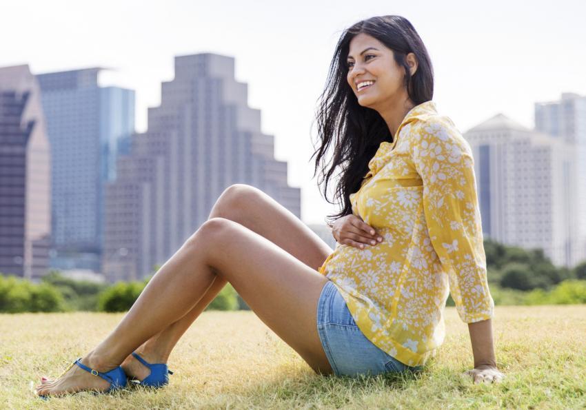 https://cf.ltkcdn.net/pregnancy/images/slide/251527-850x595-14_Summer_Maternity_shorts.jpg
