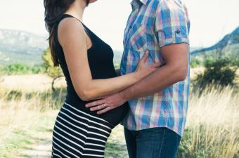 https://cf.ltkcdn.net/pregnancy/images/slide/173226-850x563-Pregnant-couple.jpg
