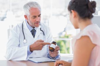 doctor explaining pills