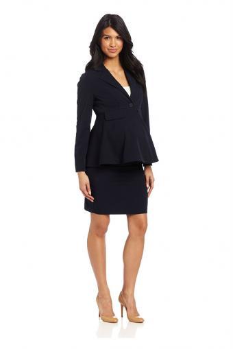 https://cf.ltkcdn.net/pregnancy/images/slide/212316-567x850-tailored-suit.jpg