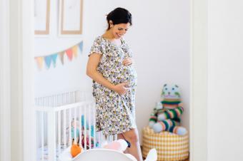 https://cf.ltkcdn.net/pregnancy/images/slide/235567-850x566-talking-to-baby.jpg