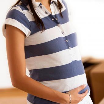 https://cf.ltkcdn.net/pregnancy/images/slide/247786-850x850-1-maternity-polo-shirts.jpg