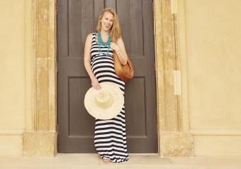https://cf.ltkcdn.net/pregnancy/images/slide/251525-850x595-12_Maternity_Maxi_dress.jpg