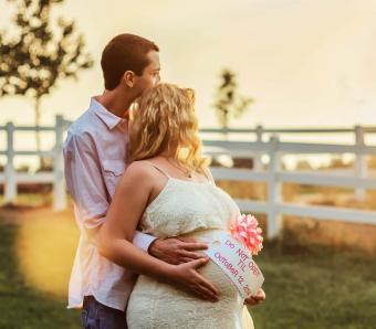 https://cf.ltkcdn.net/pregnancy/images/slide/253952-850x744-15-gift-ideas-pregnancy.jpg