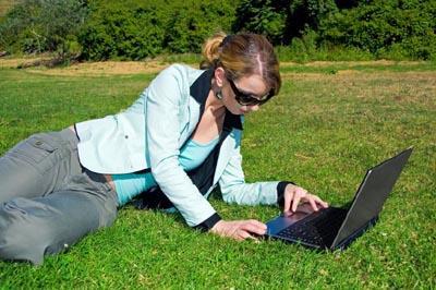 Woman setting up an online pregnancy ticker