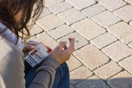 Risks of smoking while pregnant